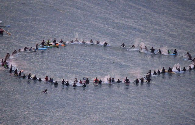 Piha paddle-out for peace in the wake of Christchurch tragedy