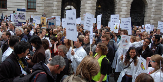 Scientists to hit streets in global protest