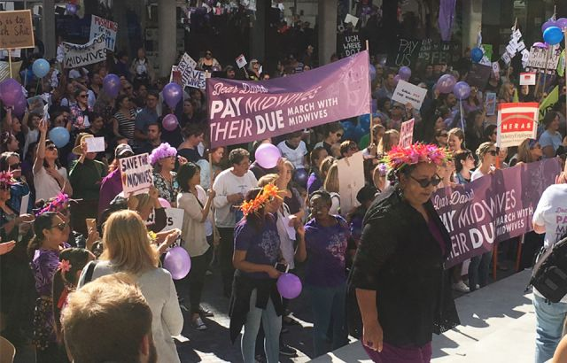 Midwifery students support nationwide marches