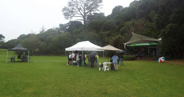 Aucklanders brave the rain to celebrate their mountains